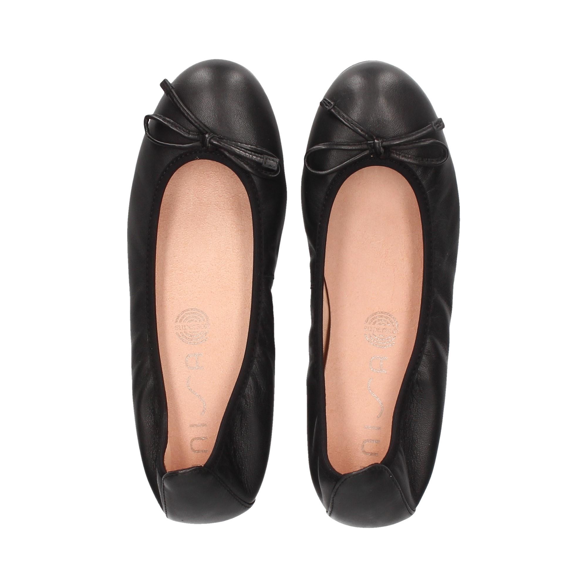 bailarina-lazo-piel-negro