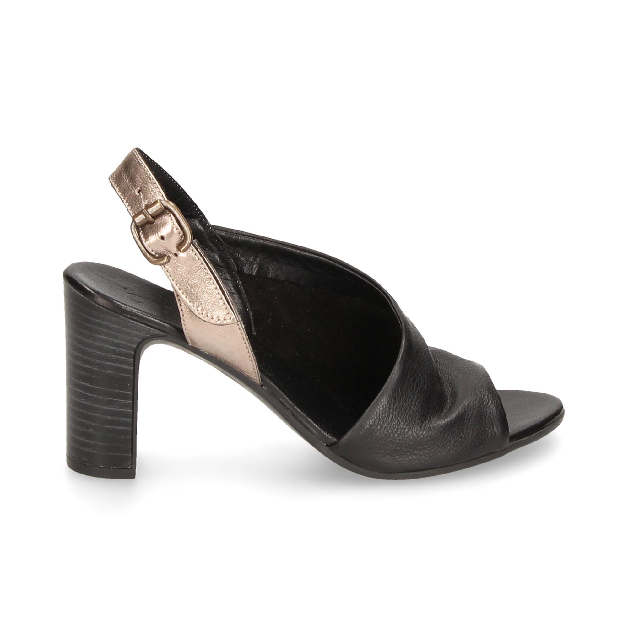sandalia-fechada-1-lado-preto