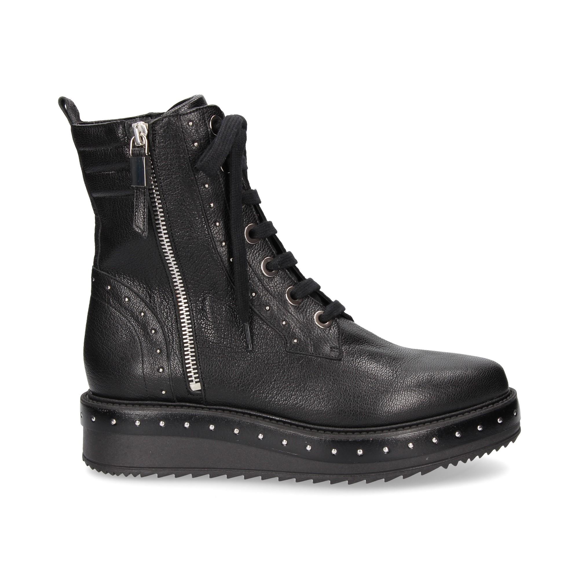 1-2-bota-acord-tachuela-piel-negro