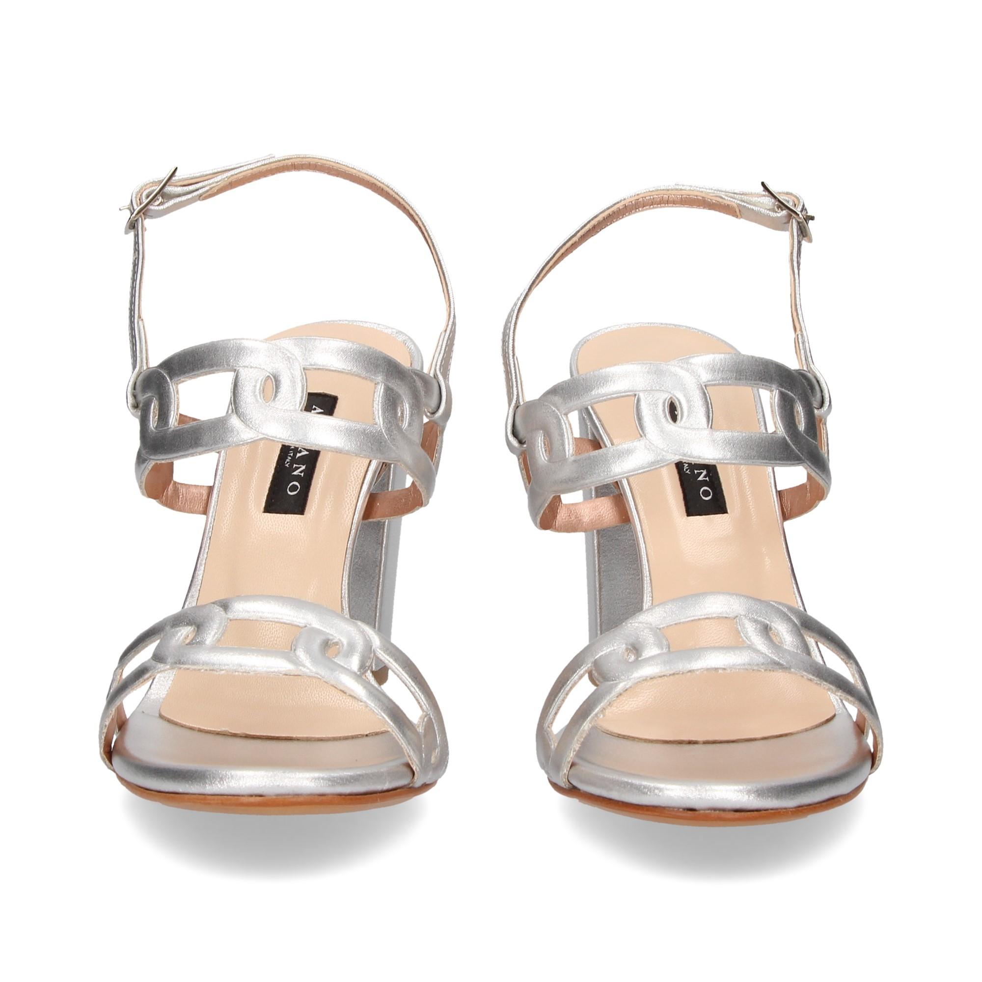 sandalia-2-tiras-cadenas-plata