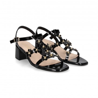 CARMELITE SANDAL WITH BLACK PATENT LEATHER FLOWERS