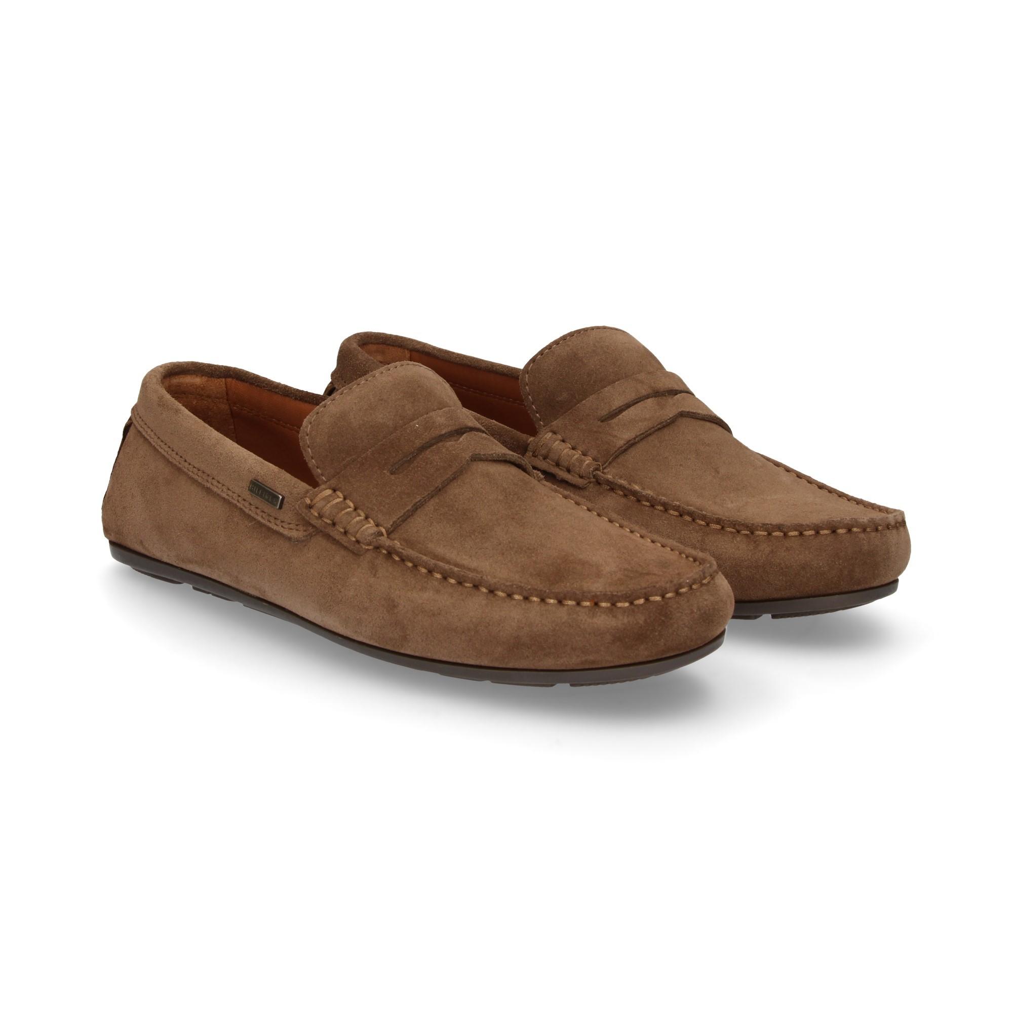 ba98e322b60b9 TOMMY HILFIGER Men s loafers FM01168012 SHITAKE