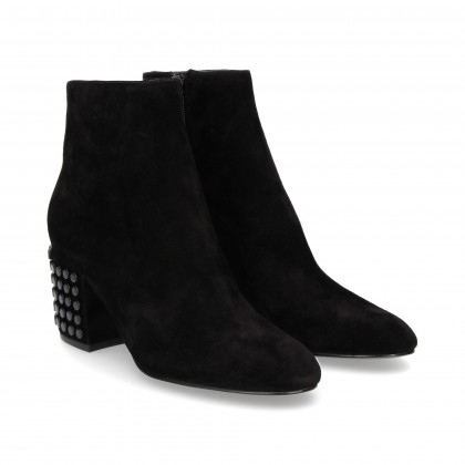 BOOTIE TACKS HEEL IN BLACK SUEDE