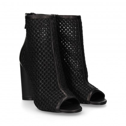 HEEL BOOT WITH ZIPPERED HEEL AND BLACK MESH HEEL