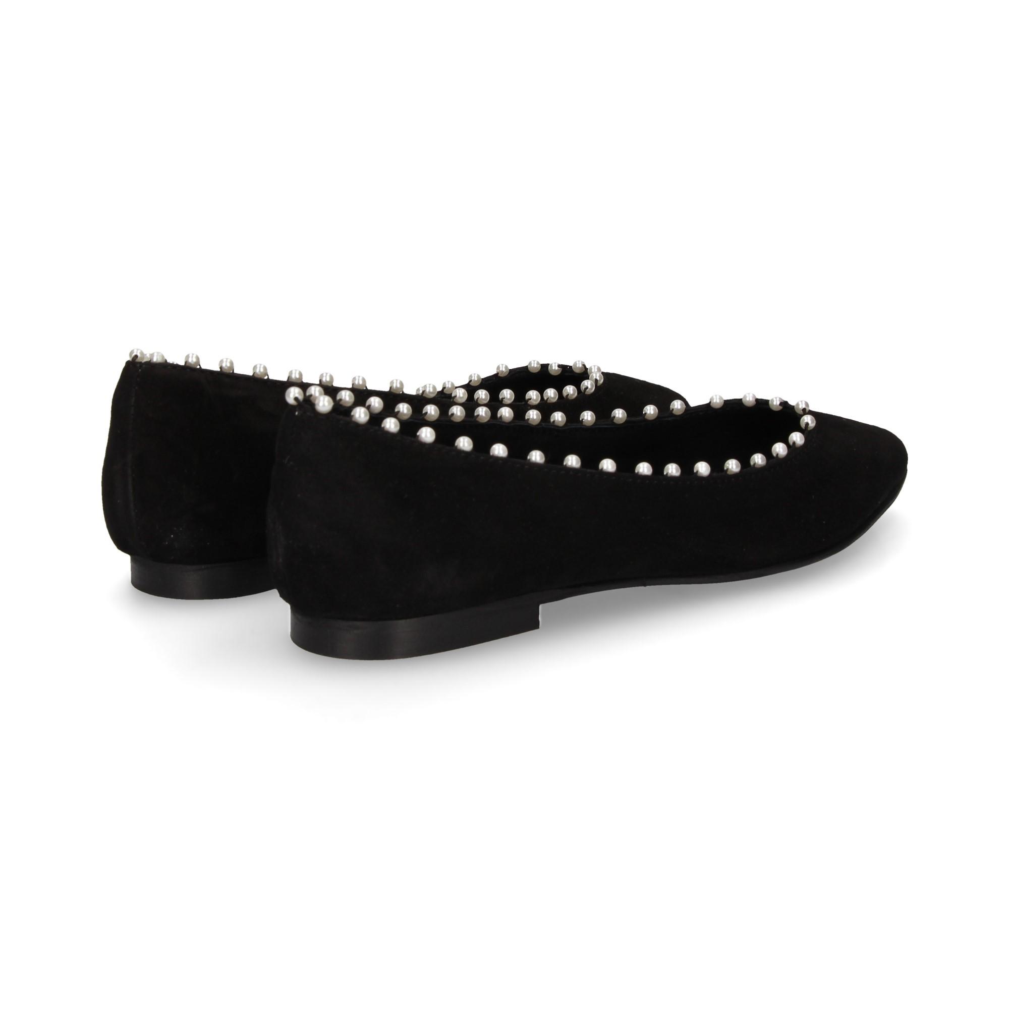 bailarina-perlas-ante-negro