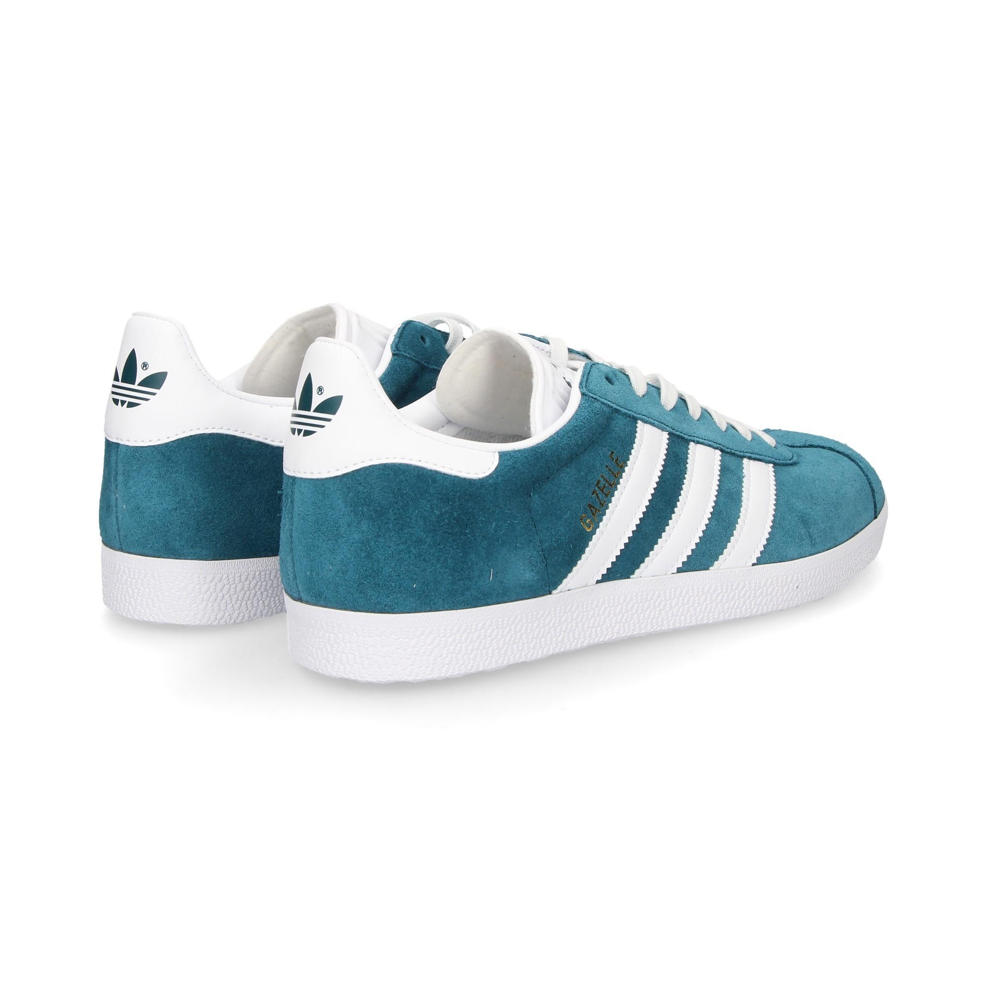 3-bandas-blancas-deportivo-ante-azul