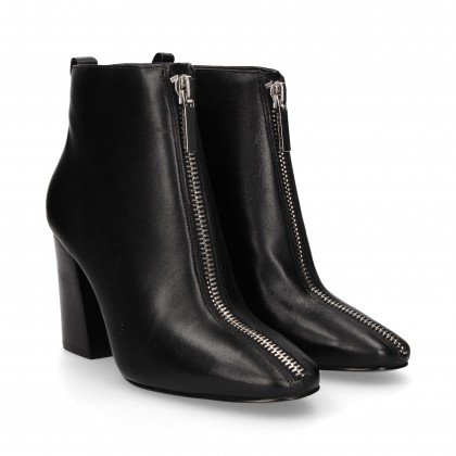 BLACK LEATHER ZIPPER BOOT