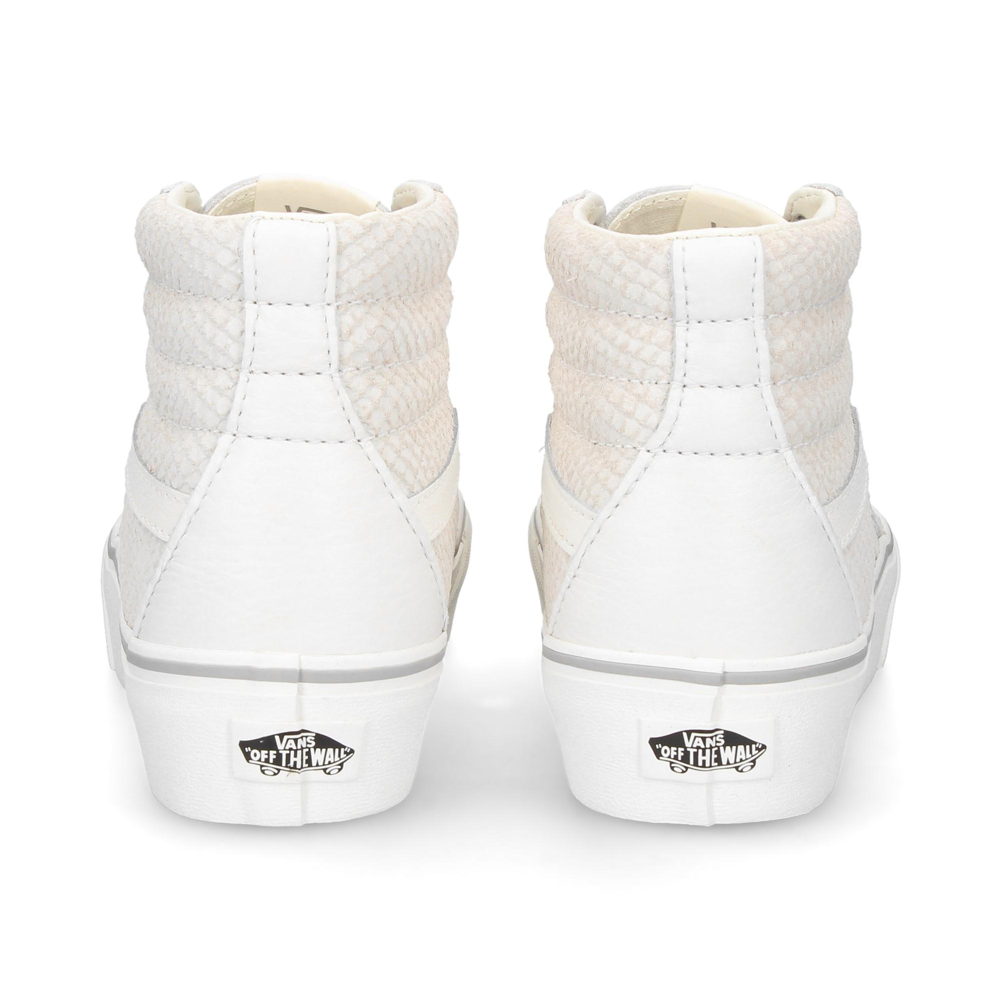 banda-blanca-botin-piel-blanco