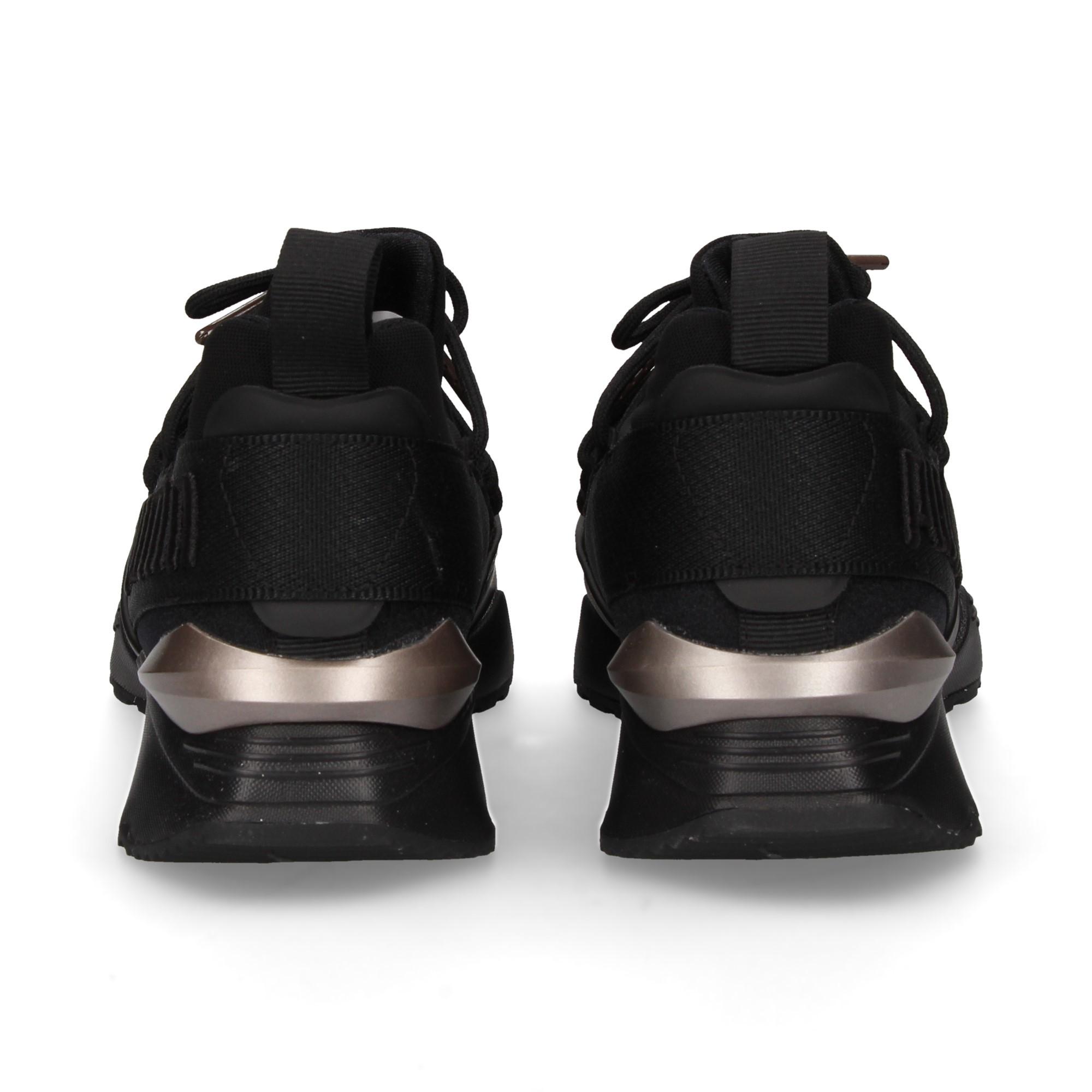 deportivo-negro-deco-plata