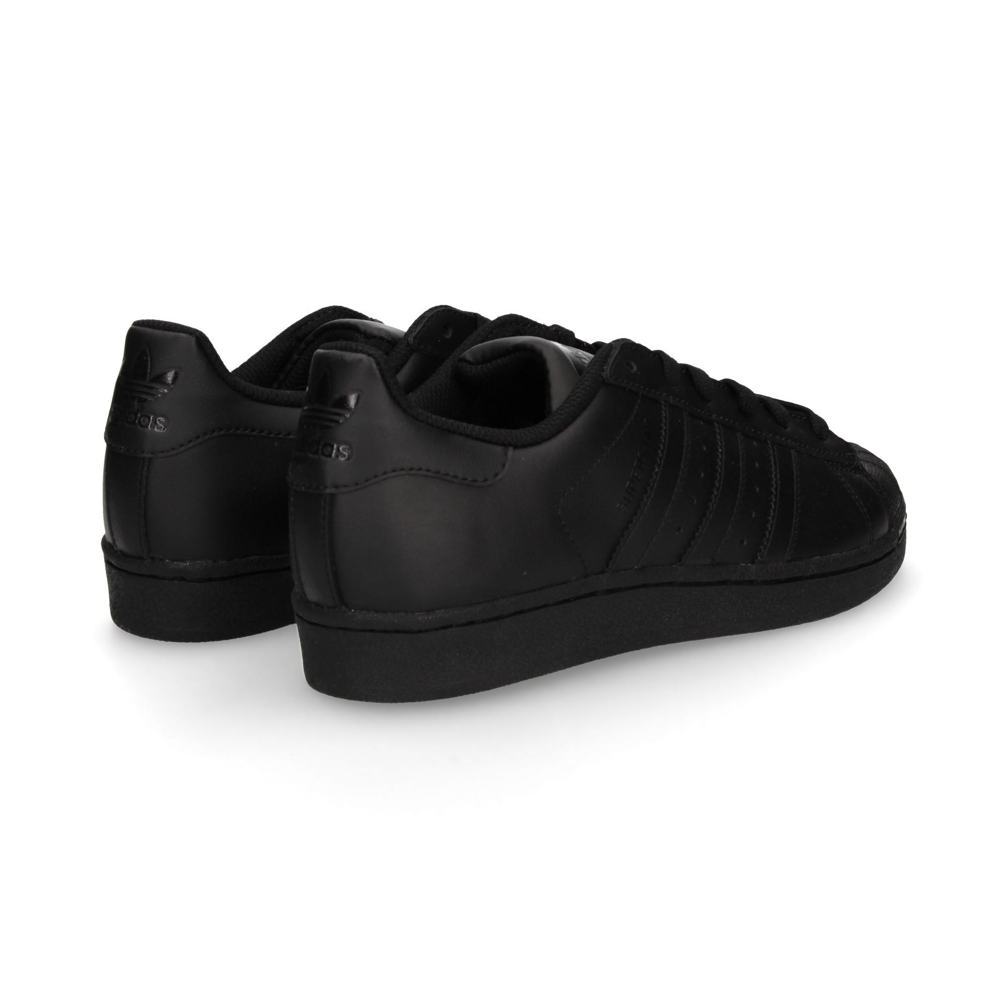zapatilla-velcro-negro