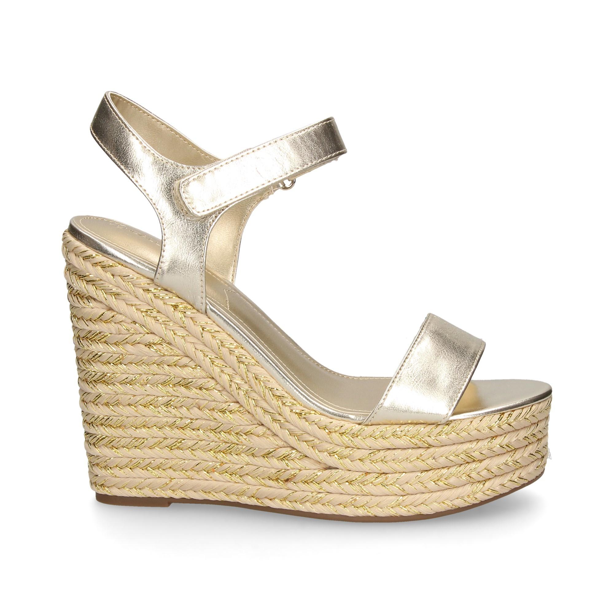 d659e4fe1d KENDALL+KYLIE Women's wedge sandals KKGRAND 11 PLATINO