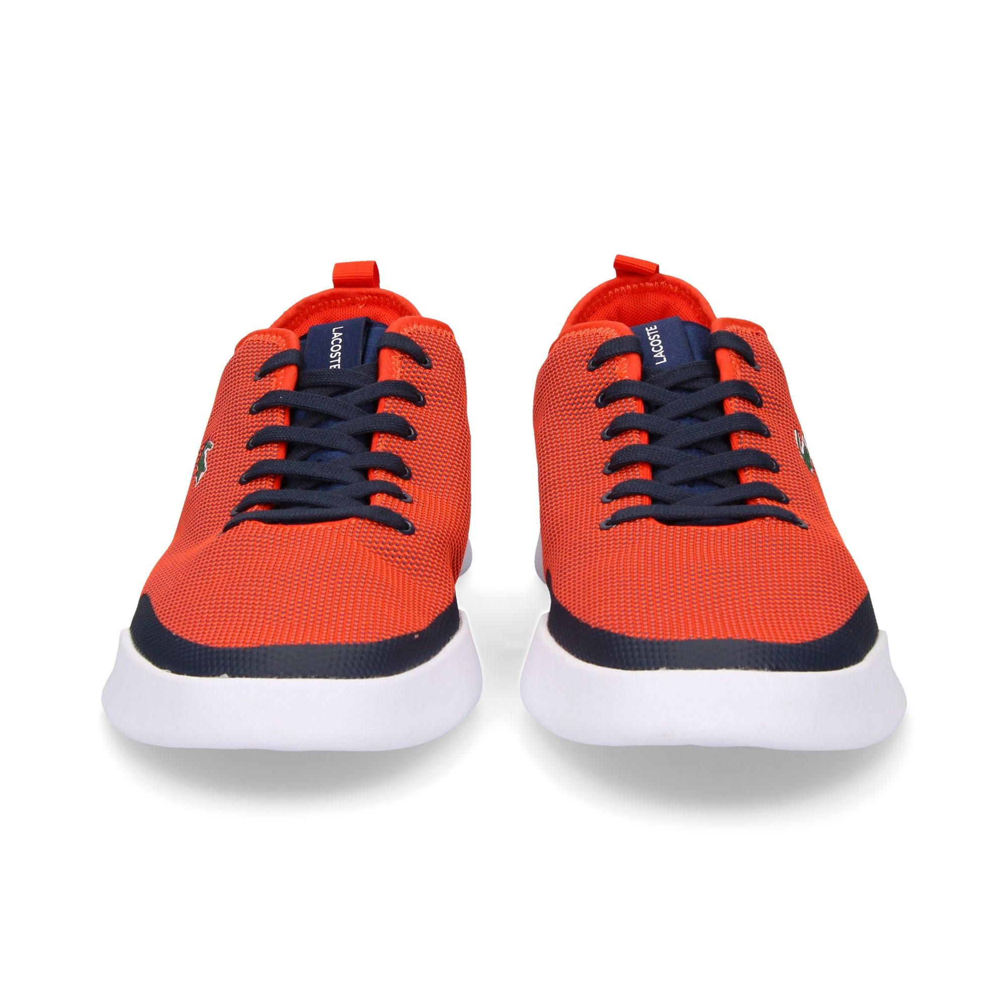 deportiva-cordones-rojo