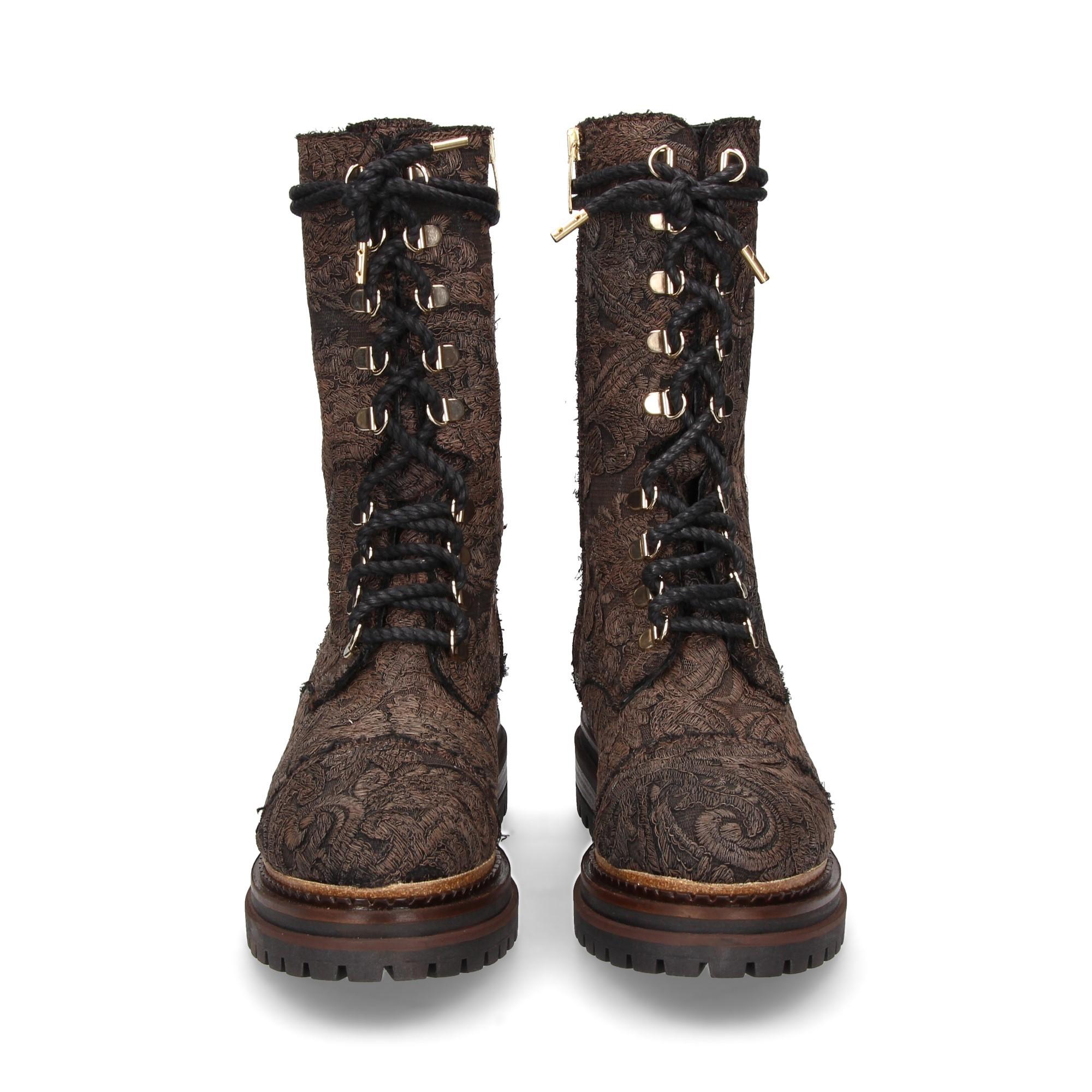 1-2-bota-atada-textil-bordado-marron