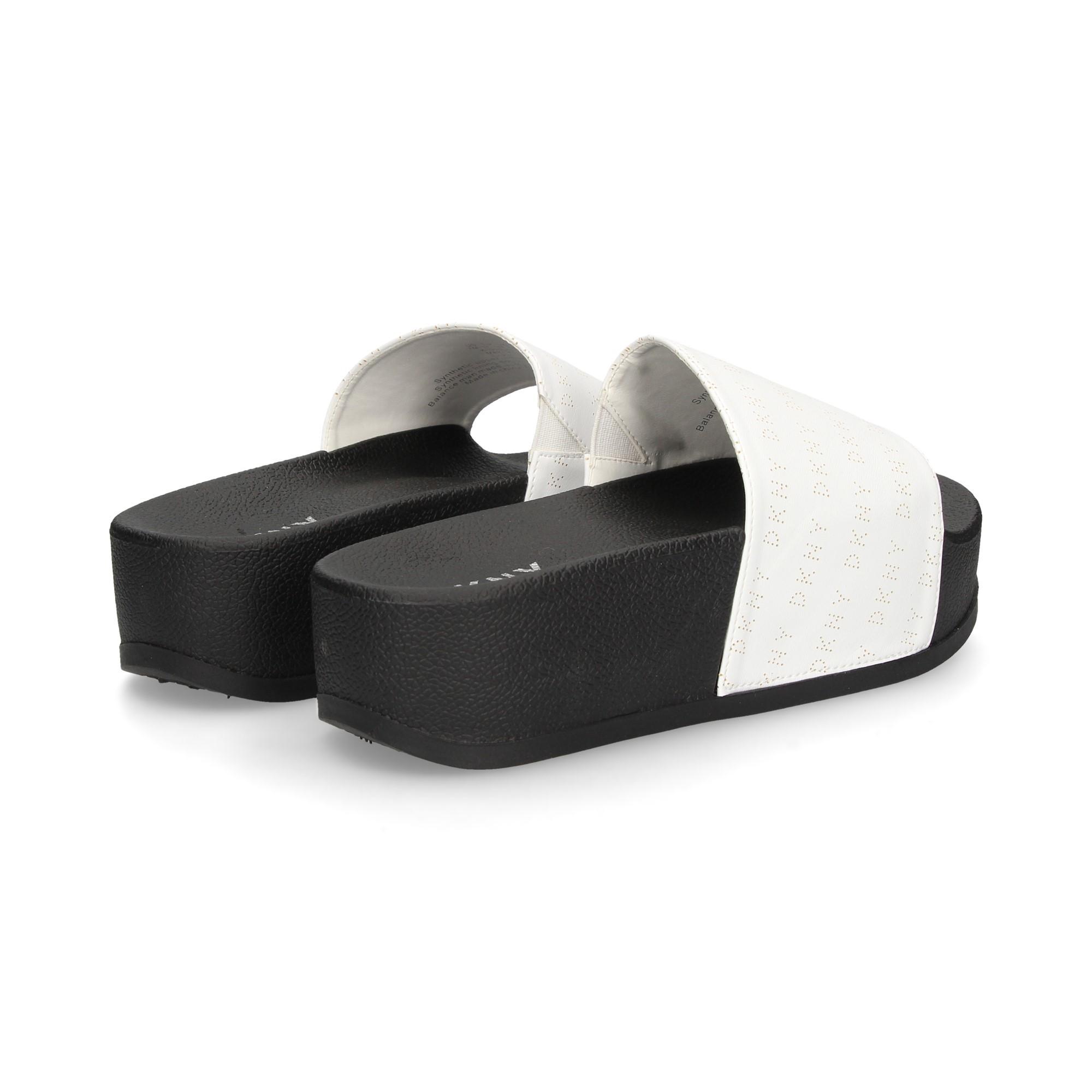 logo-chopped-white-leather-platform