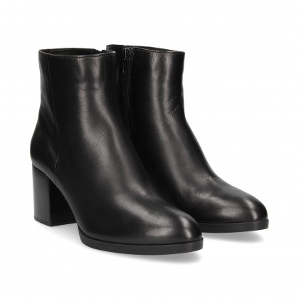 BLACK NAPA ZIPPER BOOT