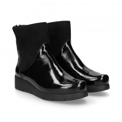 PATENT LEATHER SUEDE ZIPPER BOOT IN BLACK LYCRA