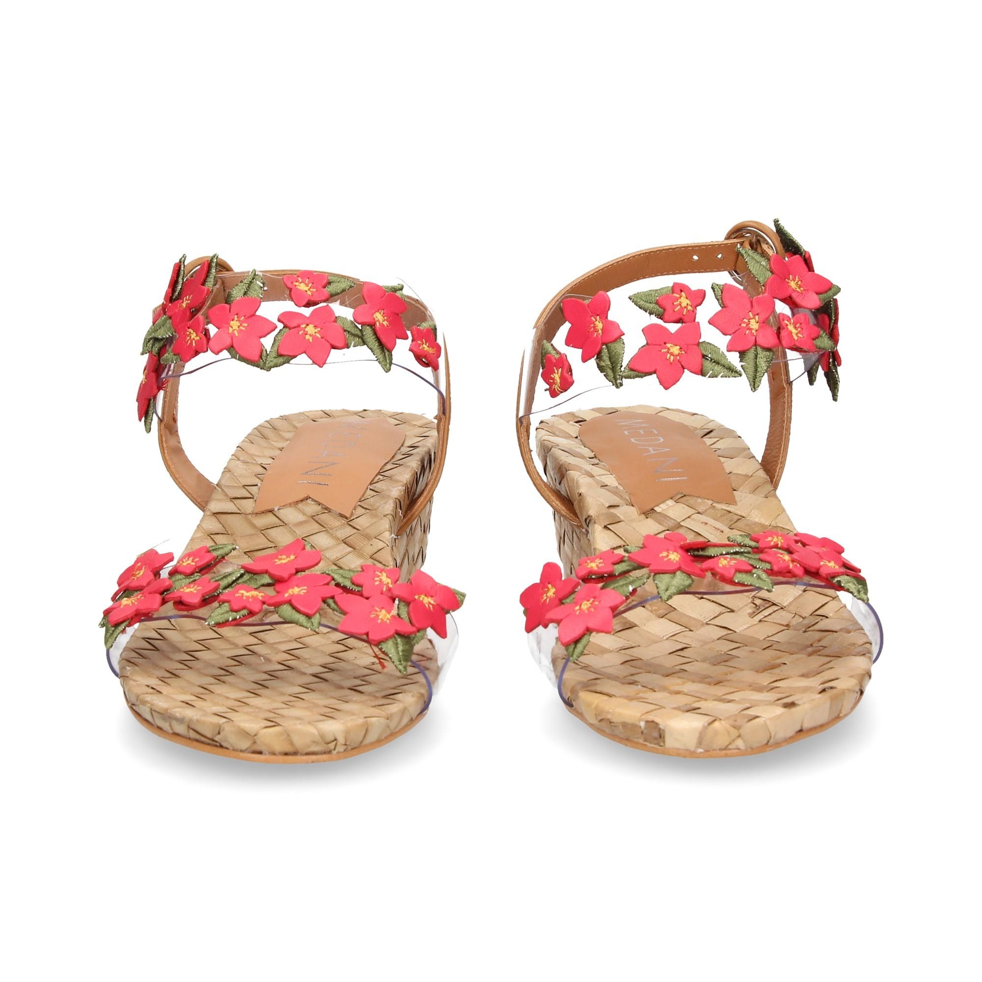 sandalia-flores-fucsia-vinilo-cuero