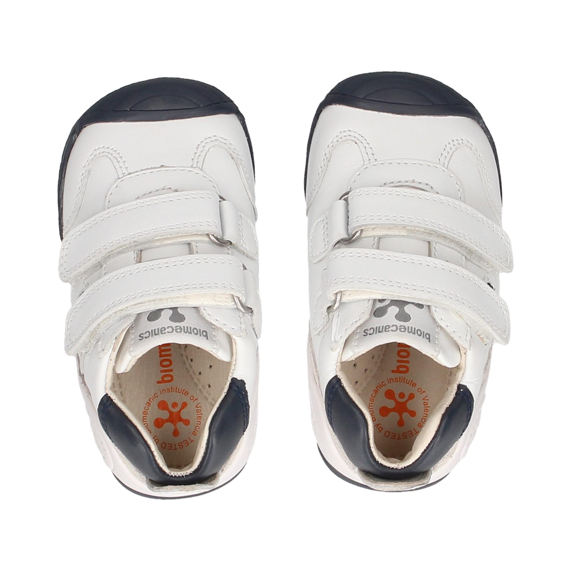 sports-2-white-blue-velcros