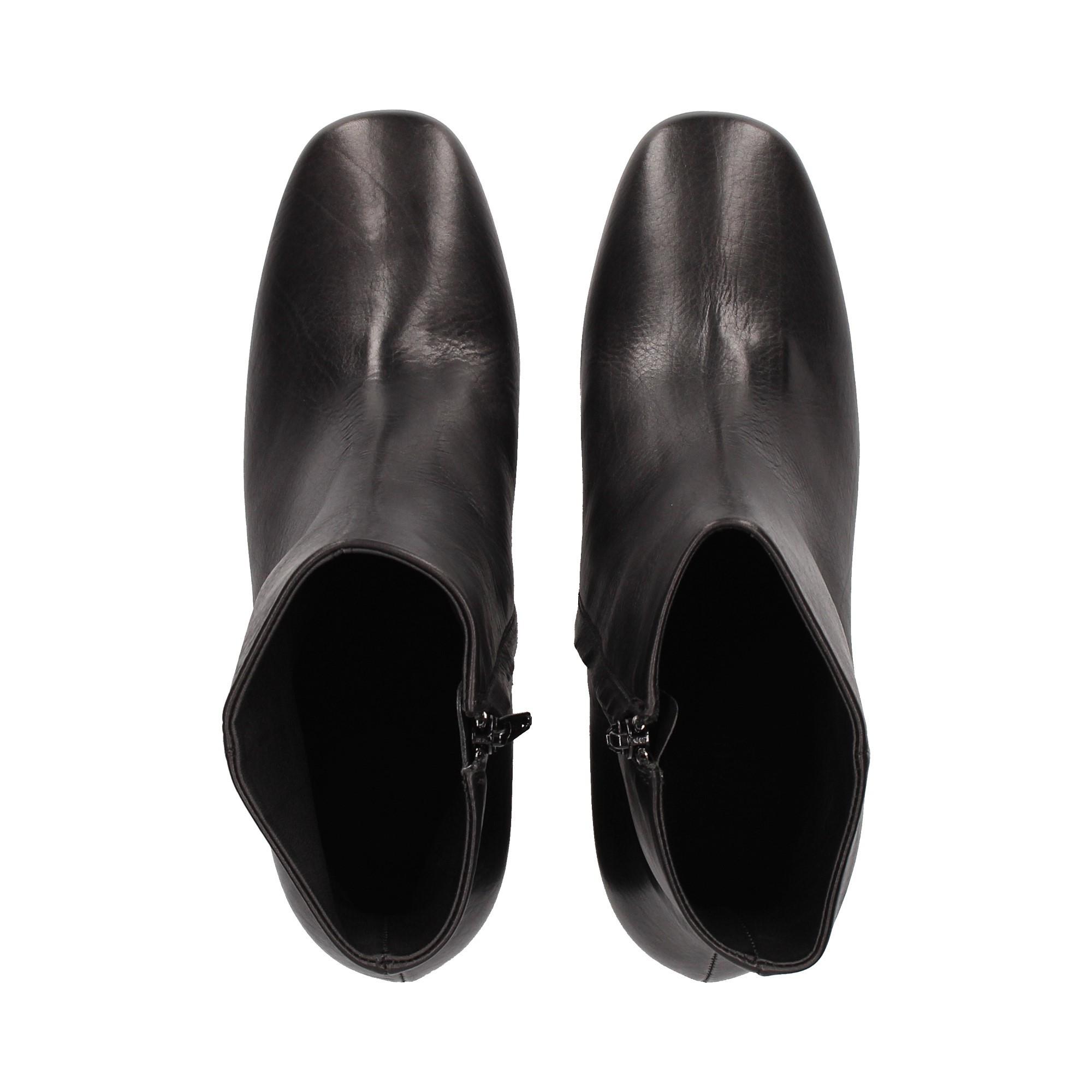 botin-tacon-hueco-piel-negro