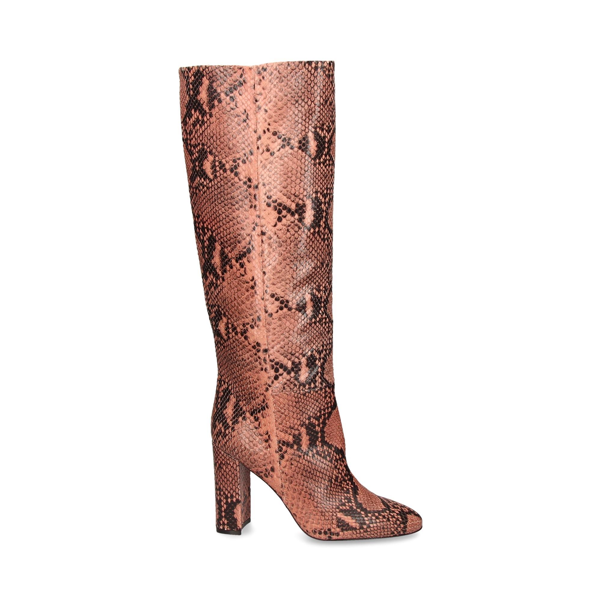pink-gris-reptil-bota