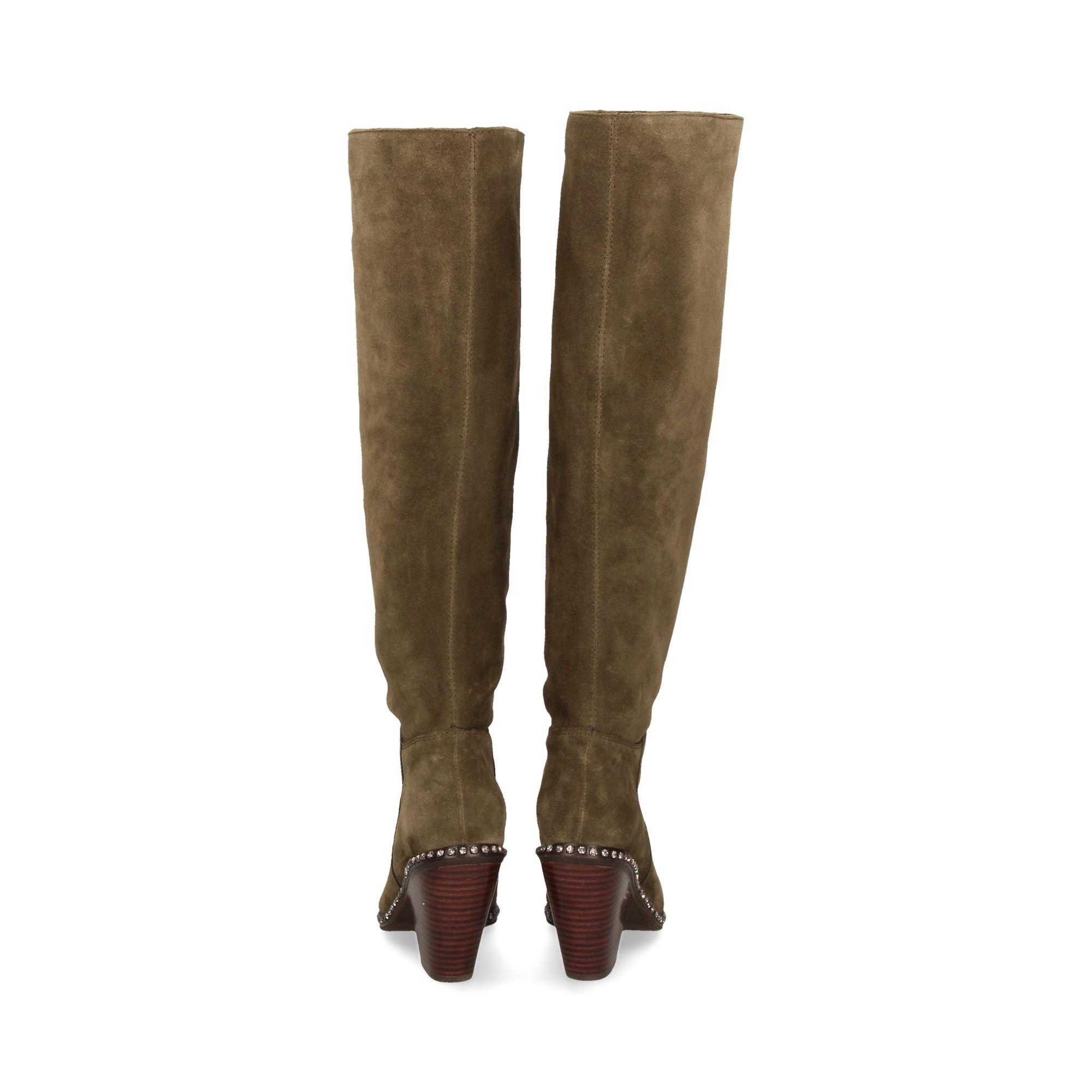 bota-cerco-tachuelas-ante-kaki