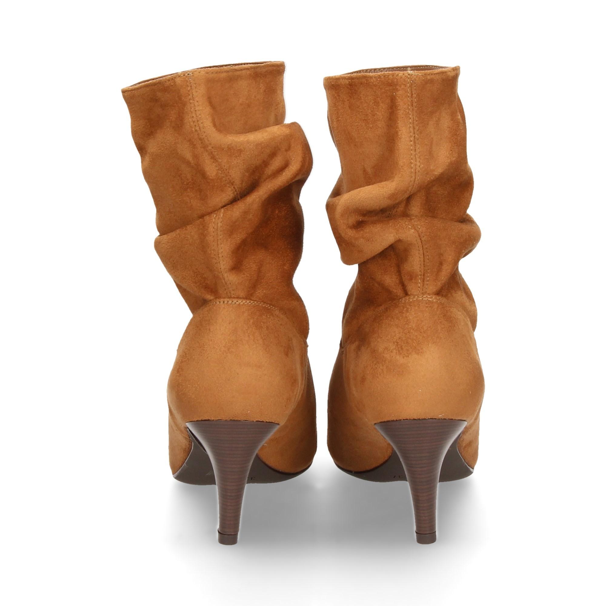 bota-ante-strech-arrugado-camel